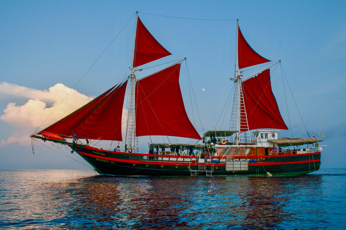 The Phinisi Liveaboard Thailand 4
